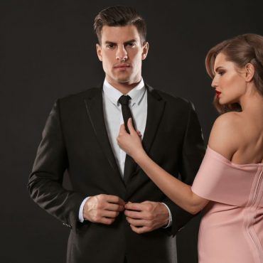 How a Woman Can Attract a Gentleman to Marry Her