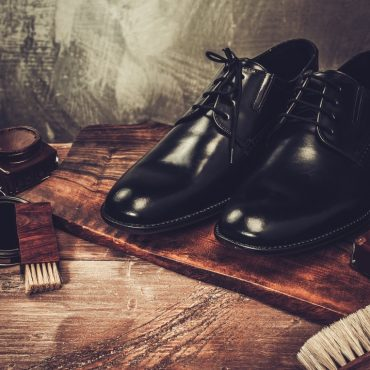 How to Brush and Shine Dress Shoes and Boots